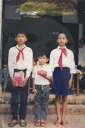 นางขันธรี ไวทยกุล กับพี่ชายและน้องชาย