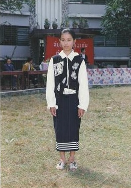 นางขันธรี ไวทยกุล สมัยเป็นนักเรียนเมืองหลวงพระบาง