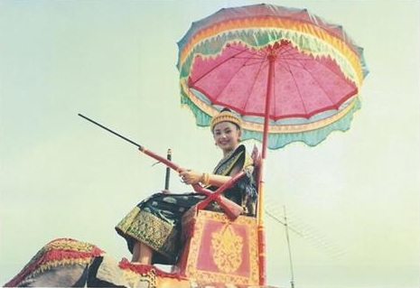 นางสงกรานต์เมืองหลวงพระบางนางขันทะลี พันทะวง ปี 1994 พ.ศ.2537